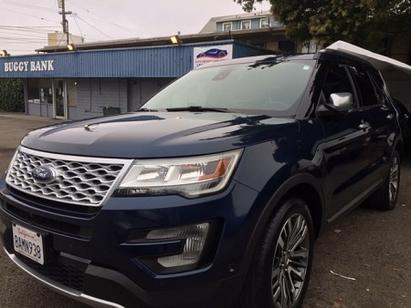 Key #22 Ford Explorer Platinum SUV 4D
